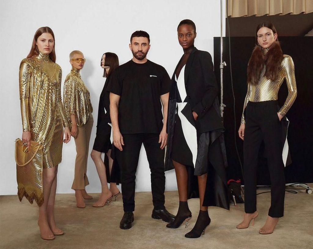Рикардо Тиши представил новую коллекцию для Burberry «Femininity» осень/зима 2021