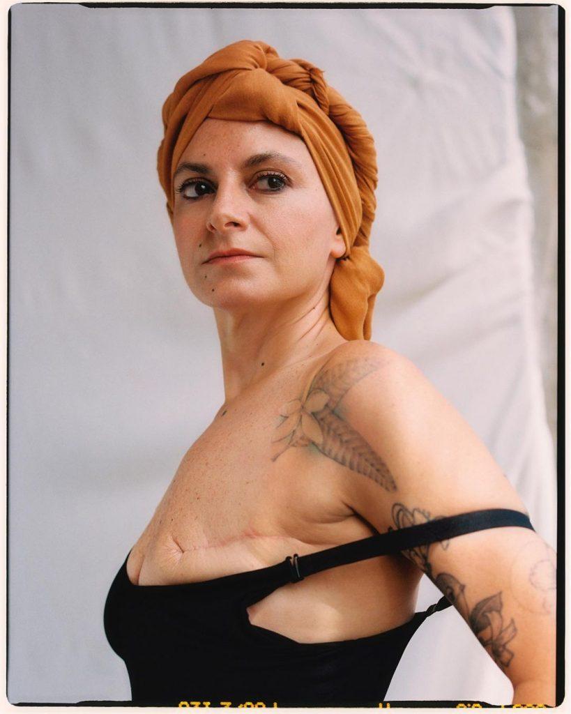 У Mango появилась коллекция нижнего белья и купальников для женщин с одной грудью, прошедших мастэктомию