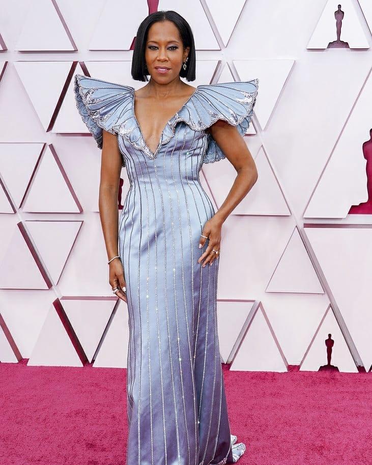 Реджина Кинг в Louis Vuitton на 93-ей церемонии премии «Оскар» 2021 года: лучшие наряды красной дорожки