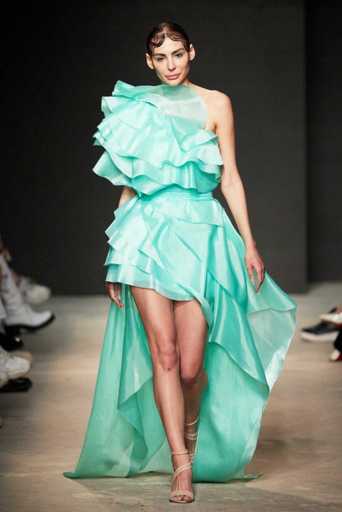 Блогер Ника Вайпер nika_viper приняла участие в показе бренда ALENA NEGA на Mercedes-Benz Fashion Week Russia