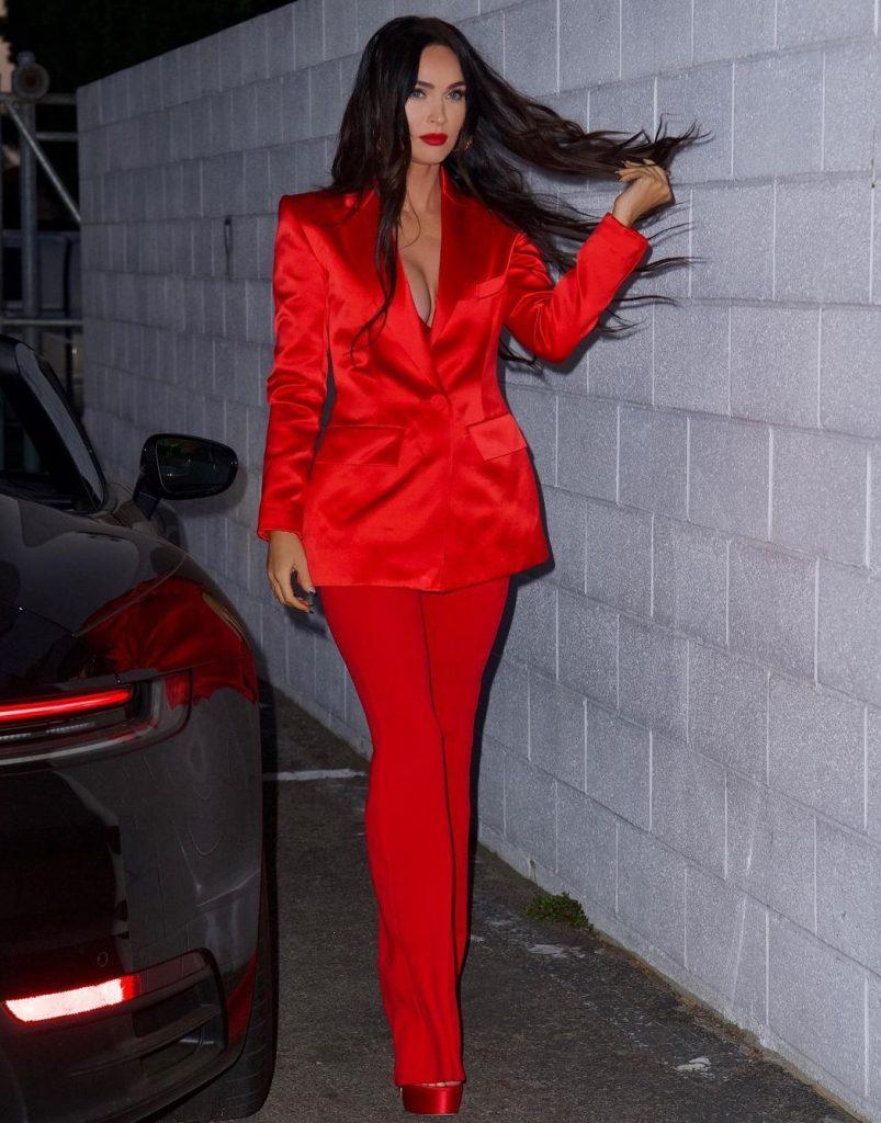Образы голливудской звезды Меган Фокс, которыми мы восхищаемся и берем на заметку, чтобы выглядеть также эффектно, если представится случай блистать на красной дорожке.